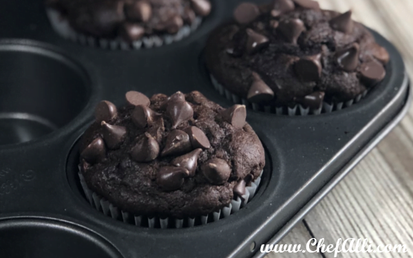 Super Moist Chocolate-Chip Muffins